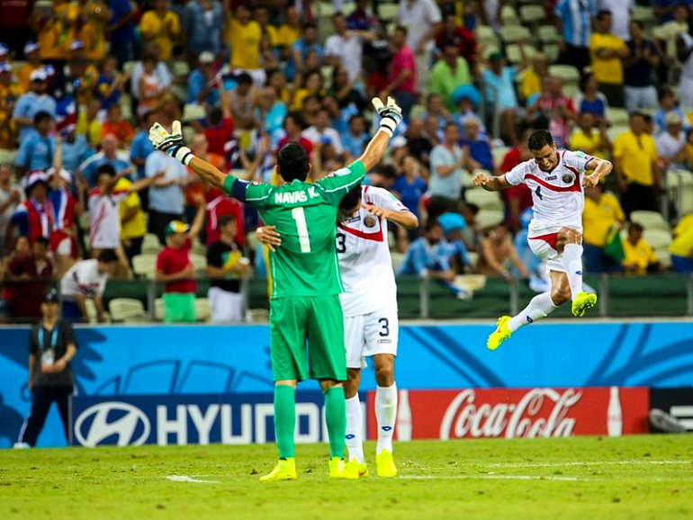 800px-Uruguay_-_Costa_Rica_FIFA_World_Cup_2014_(27)