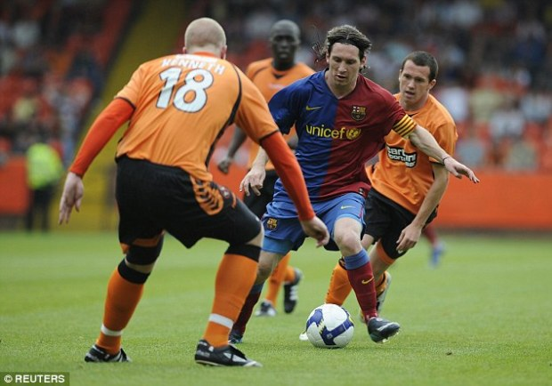 Dundee United v Barcelona
